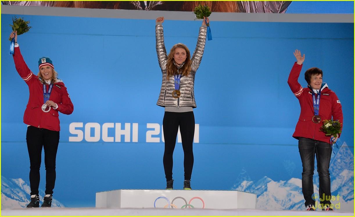 mikaela shiffrin gold slalom sochi 12