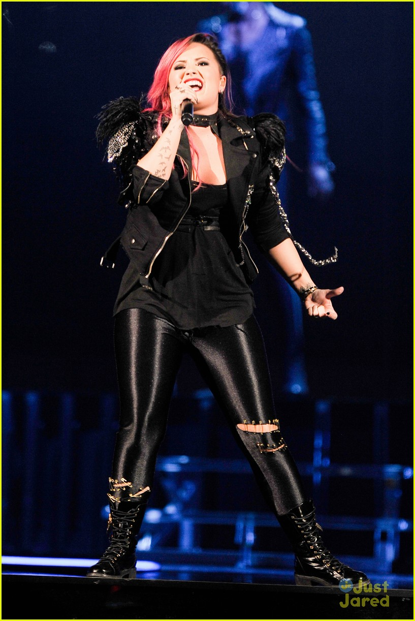 Demi Lovato Jersey You Blew Me Away Photo 650624