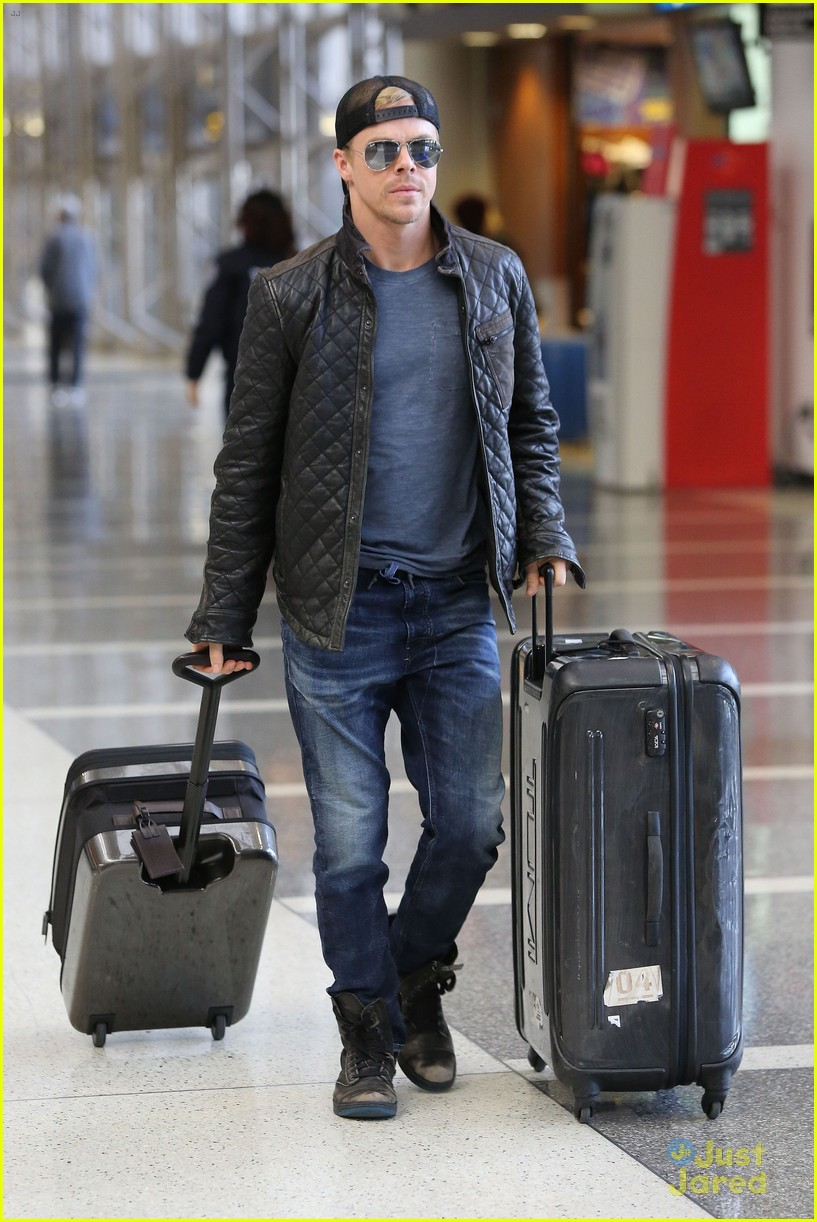 derek hough off to sochi with dwts partner amy purdy 07