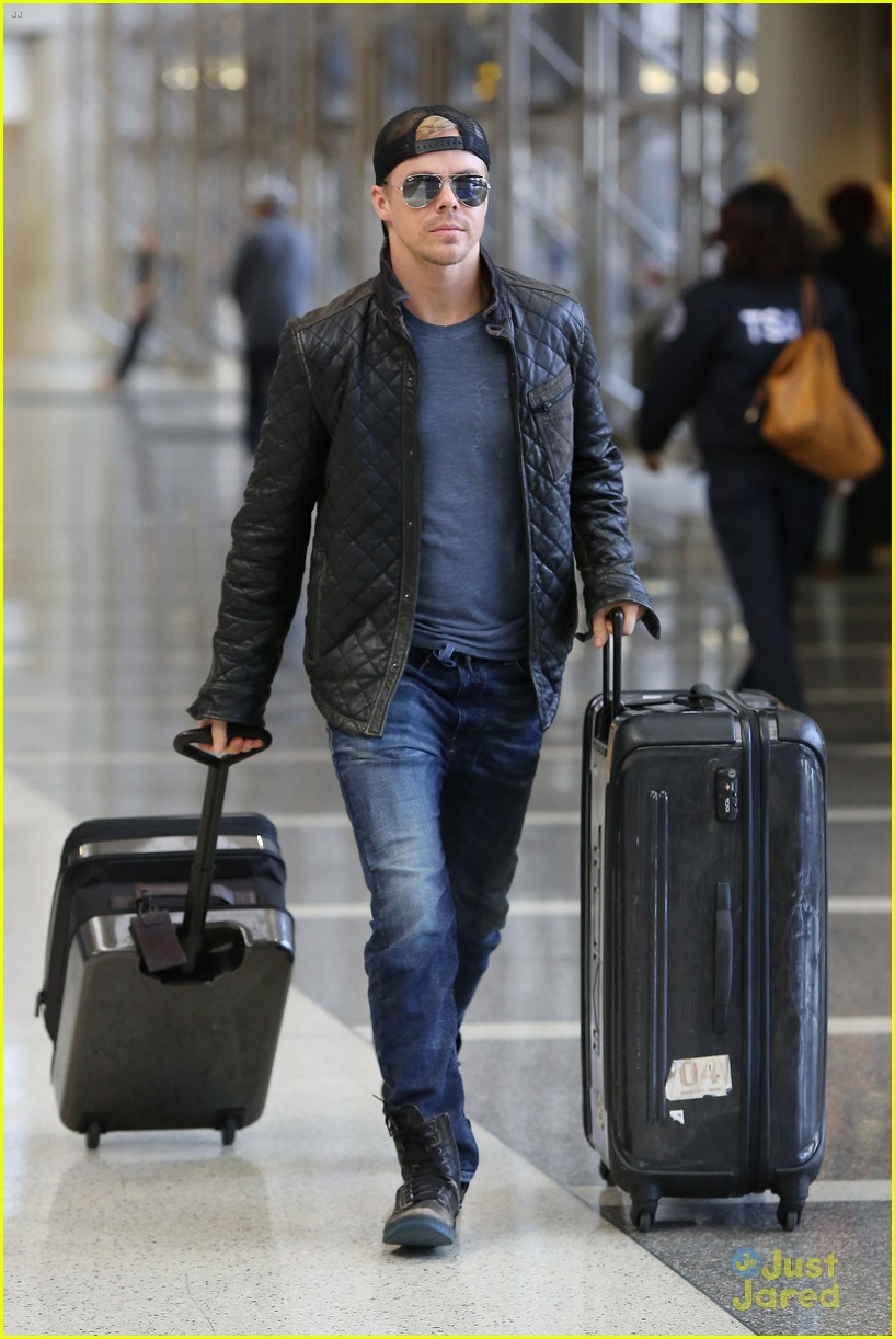 derek hough off to sochi with dwts partner amy purdy 08