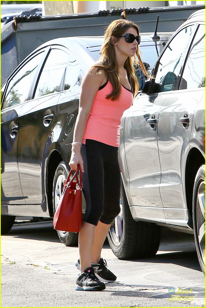 ashley greene nature is better with loved ones15