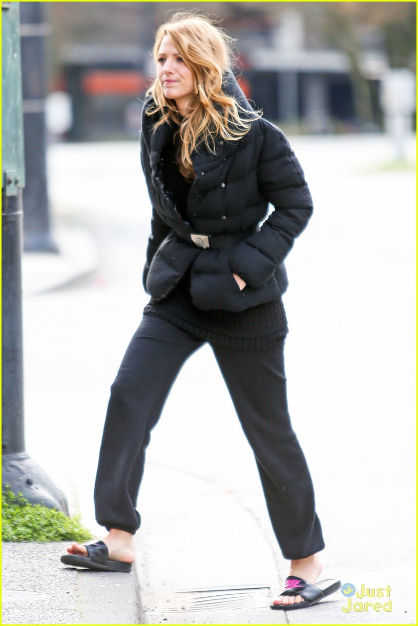 blake lively up all night filming04