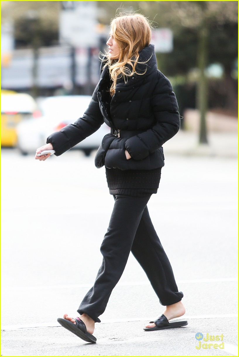 blake lively up all night filming06