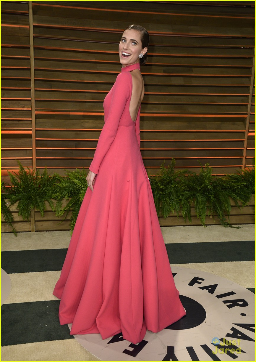 saoirse ronan allison williams vanity fair oscars 2014 party goers 07