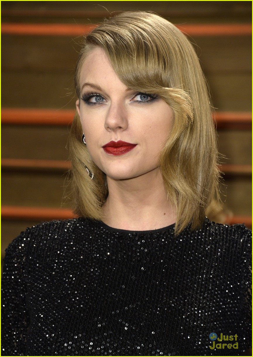taylor swift goes glam at vanity fair oscars party 2014 06