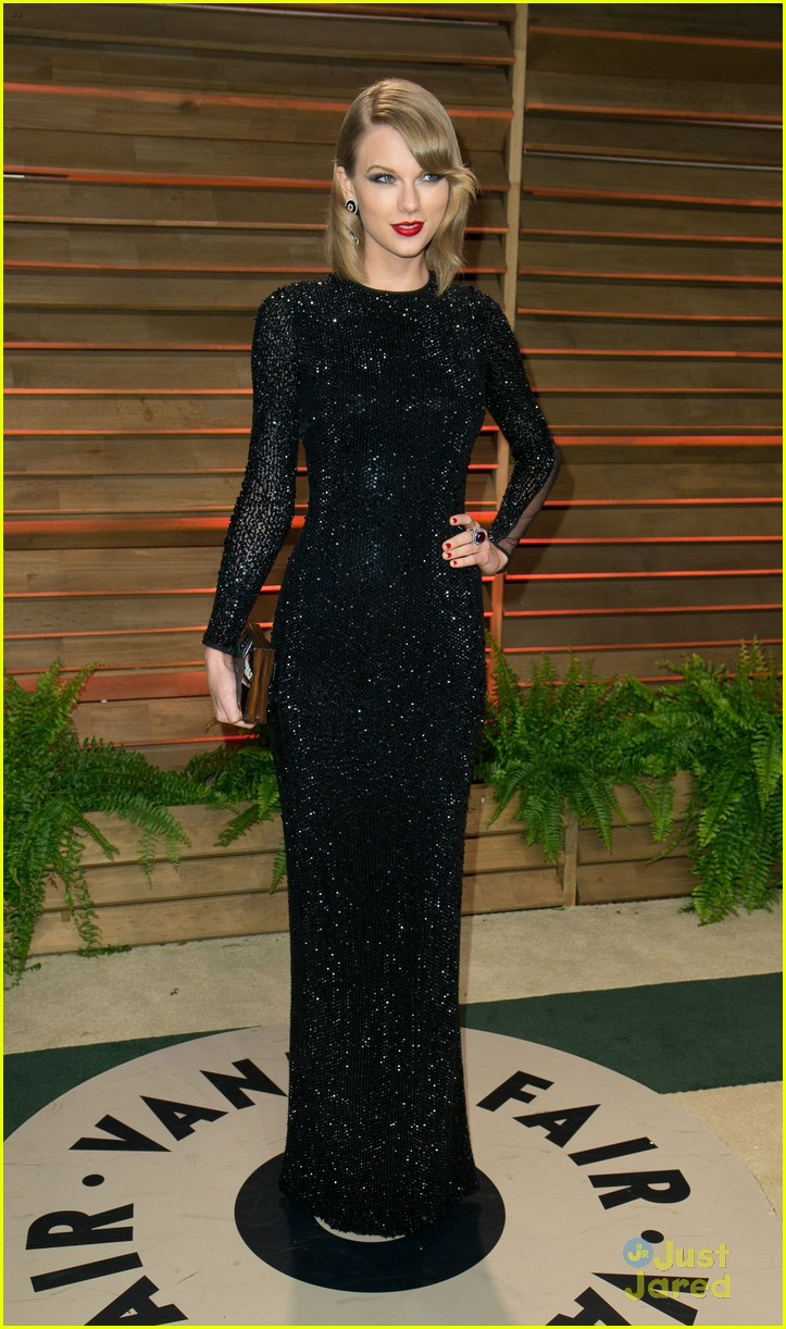 taylor swift goes glam at vanity fair oscars party 2014 10