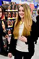 willow shields extra dvd signing 03