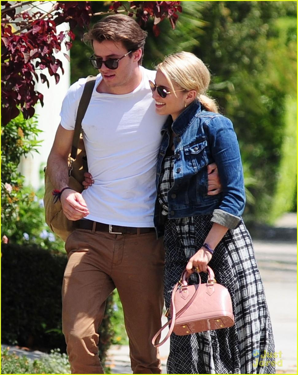 Dianna Agron Cozies Up to New Rumored Boyfriend Thomas ...
