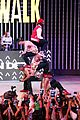 jason derulo jordin sparks get cozy on stage 20