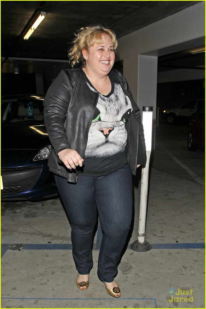 4c3c6141cbcb9 Rebel Wilson Wears Cute Cat Tee for Movie Night Out