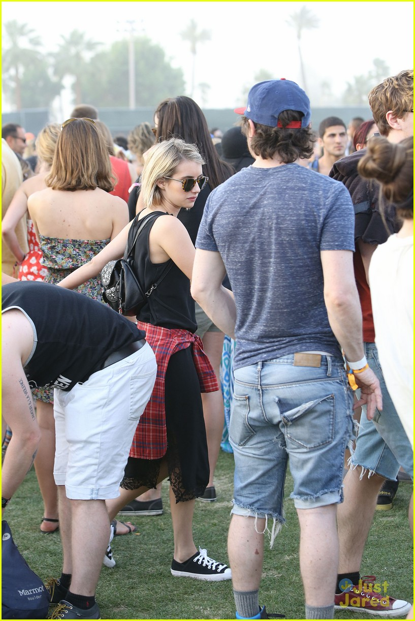 emma roberts and evan peters hold hands at coachella 201415