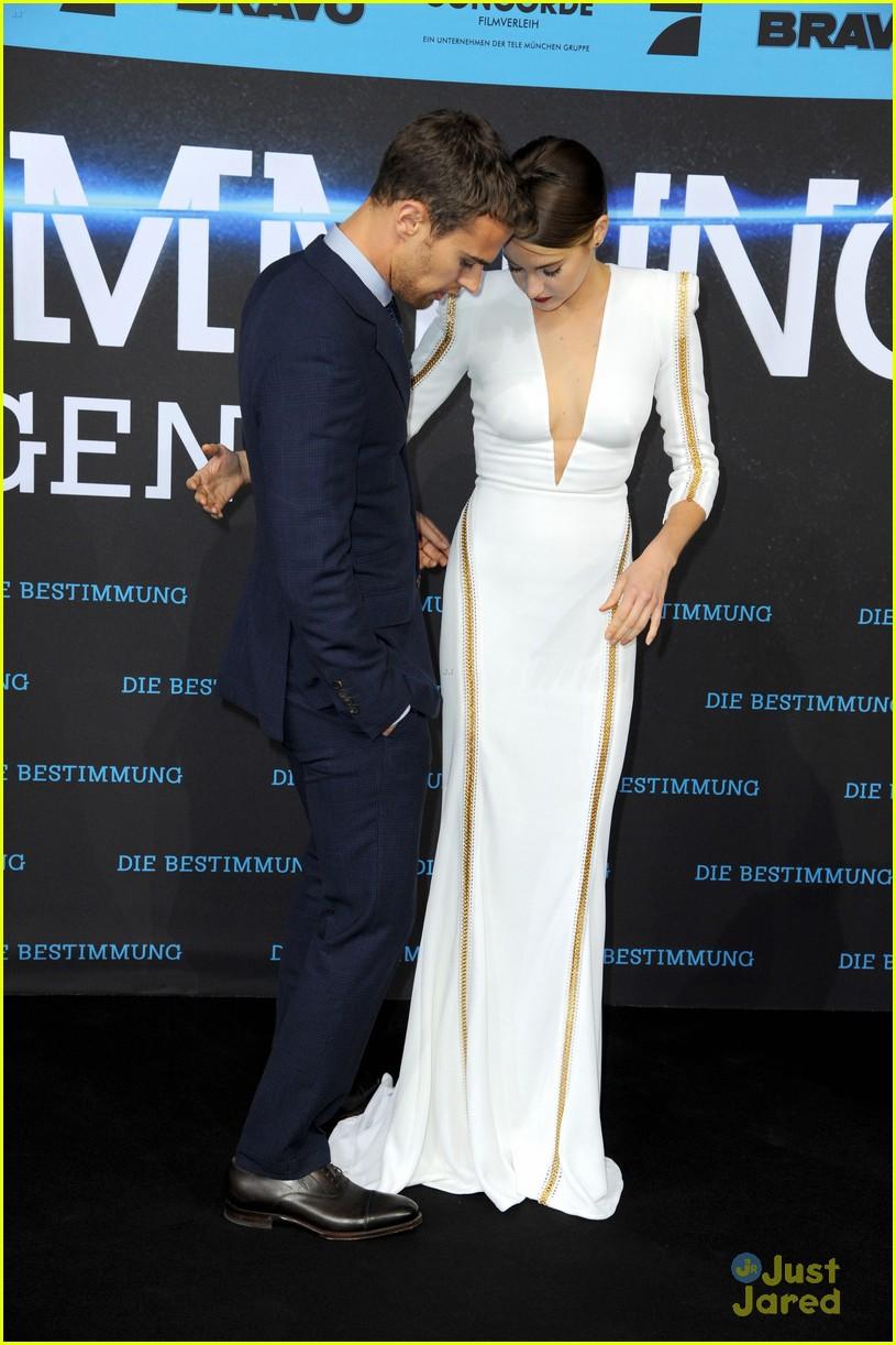 Shailene Woodley & Theo James Premiere 'Divergent' in ...  Shailene Woodley And Theo James Divergent Premiere