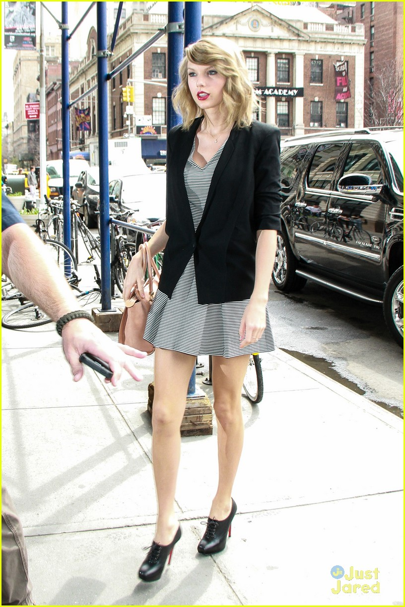 c49d17413f3ab Are Taylor Swift's Parents Becoming 'Difficult'? | Photo 662194 ...