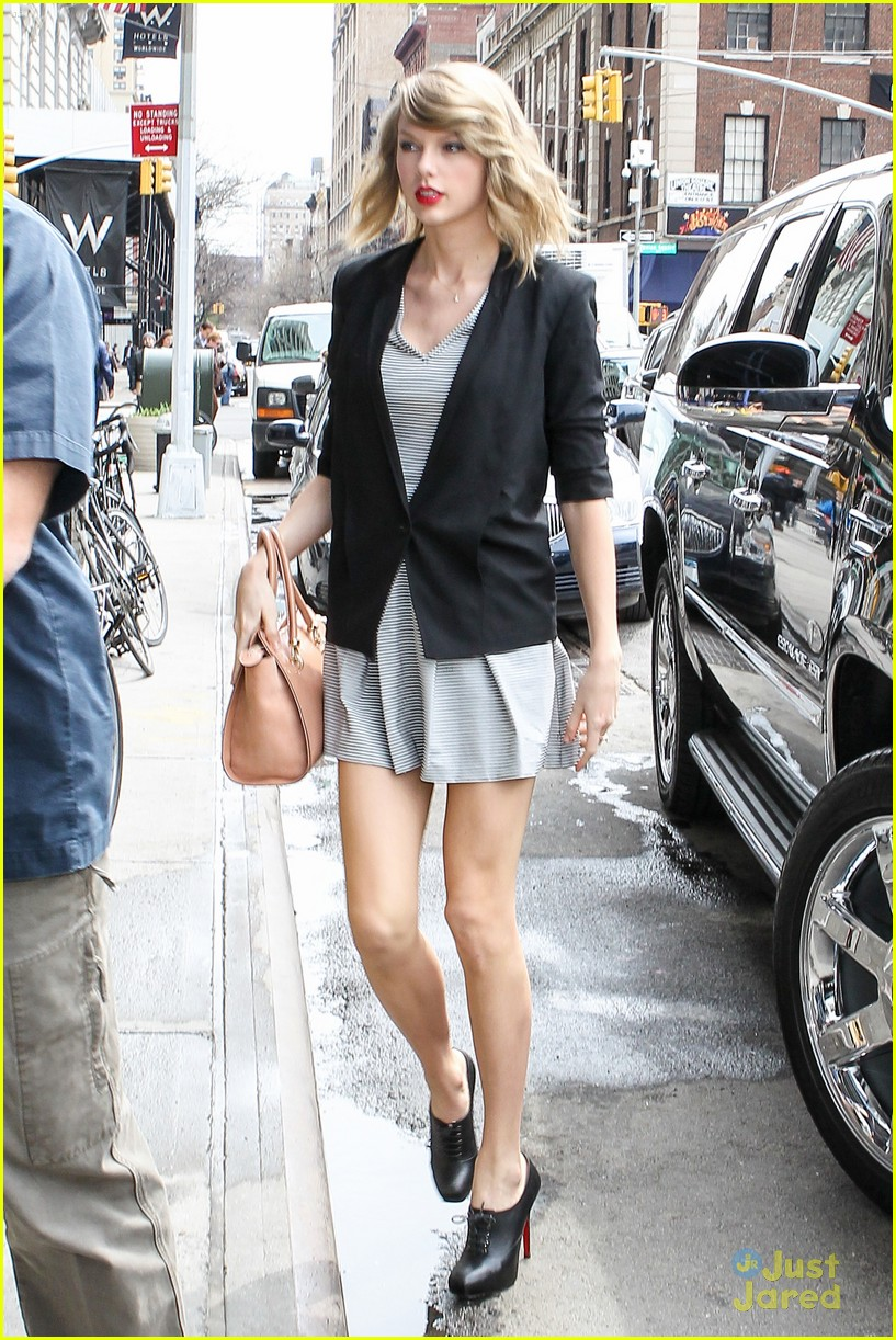 72527baab7254 Are Taylor Swift's Parents Becoming 'Difficult'? | Photo 662198 ...