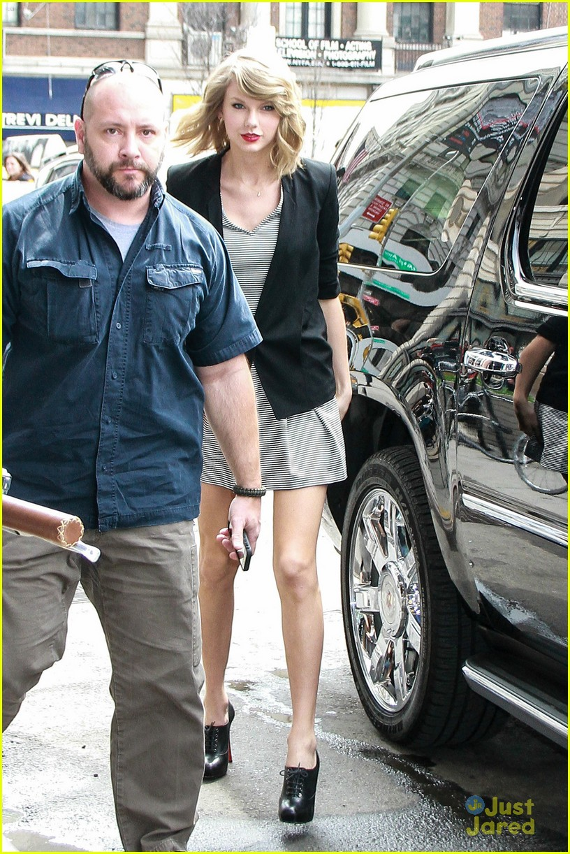 8bee011d357b1 Are Taylor Swift's Parents Becoming 'Difficult'? | Photo 662201 ...