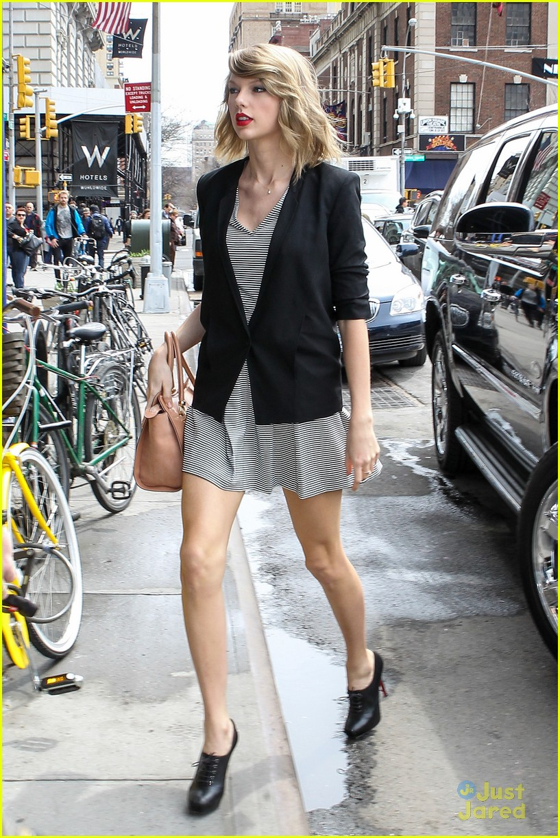 be4f4f34a881a Are Taylor Swift's Parents Becoming 'Difficult'? | Photo 662202 ...