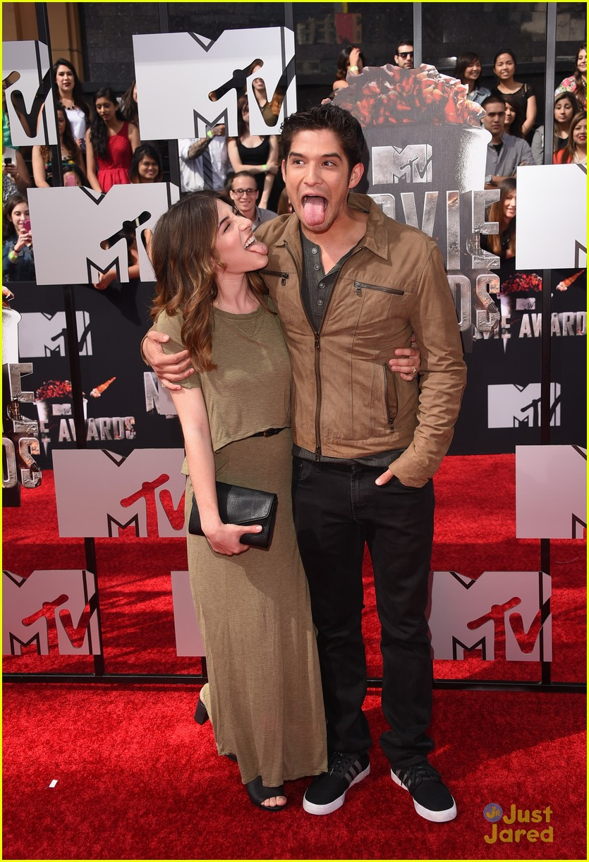 tyler posey seana gorlick 2014 mtv movie awards 04
