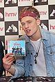 the vamps hmv signing celeb crushes 03