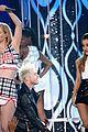 ariana grande iggy azalea problem billboard music awards 2014 04