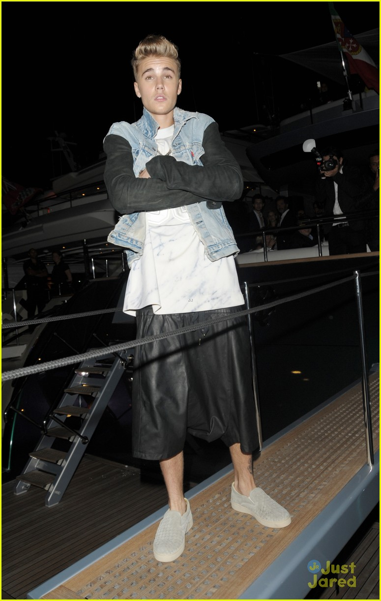 justin bieber barbara palvin cannes party 03