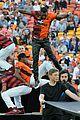 jason derulo jumps around at the australian football a league grand final10