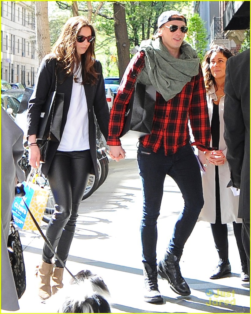Is jamie campbell bower dating anyone