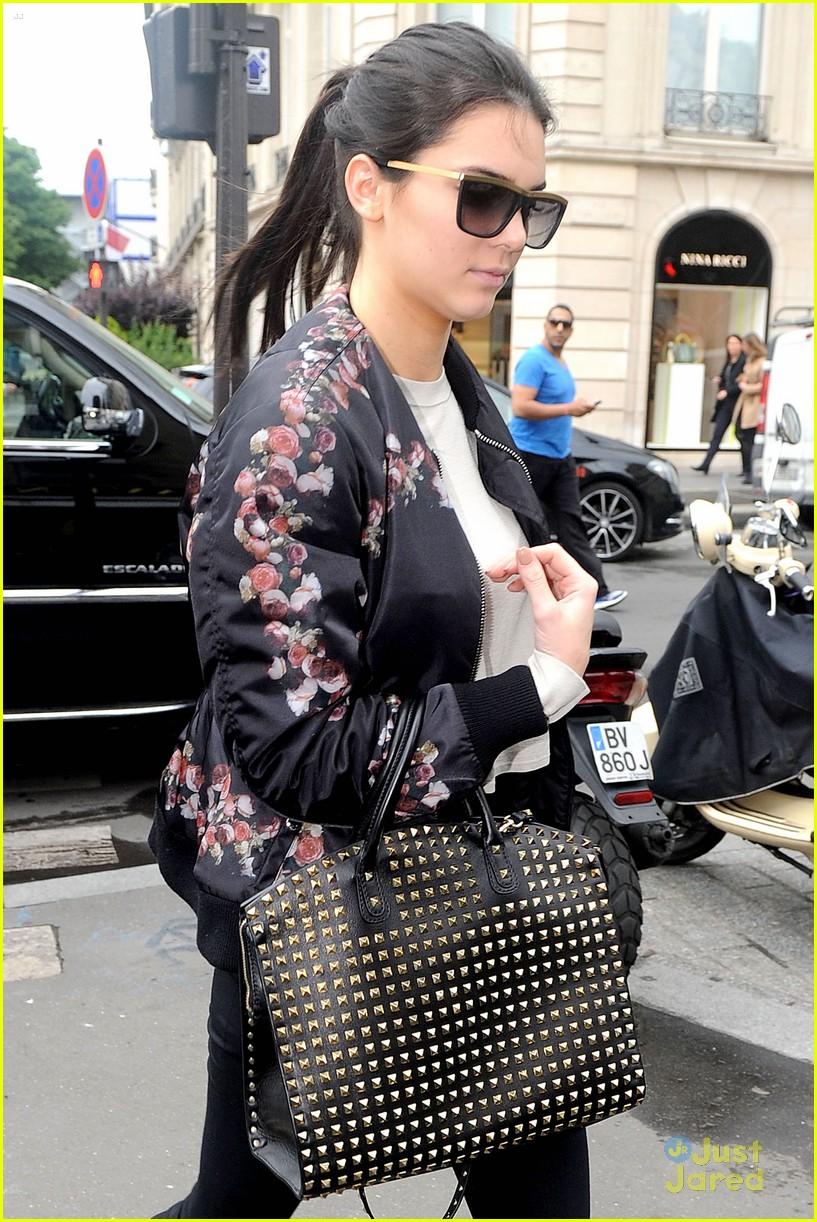047383f937 Kendall   Kylie Jenner Shop Around Paris Before Kim Kardashian s ...