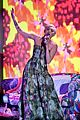 miley cyrus wins at world music awards 2014 01