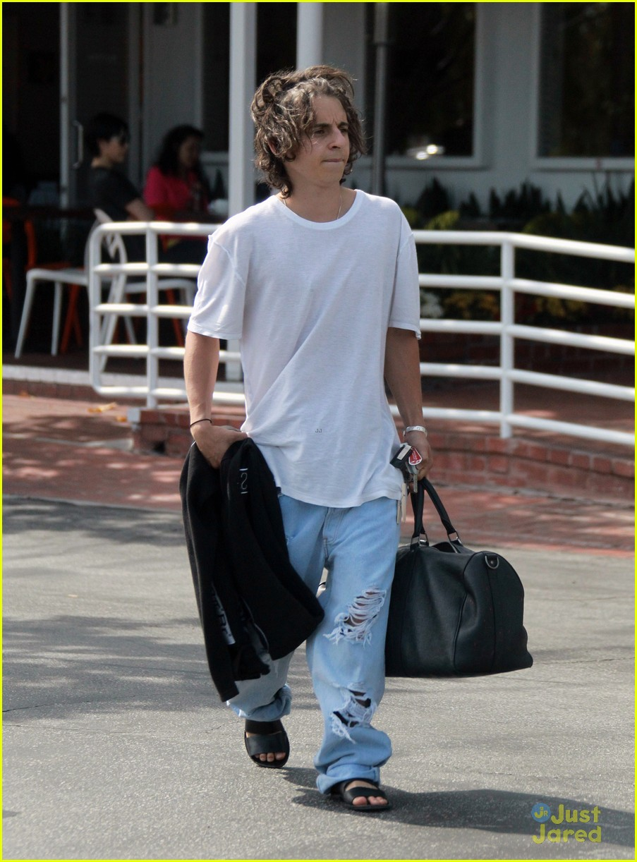 moises arias ripped jeans weho 04