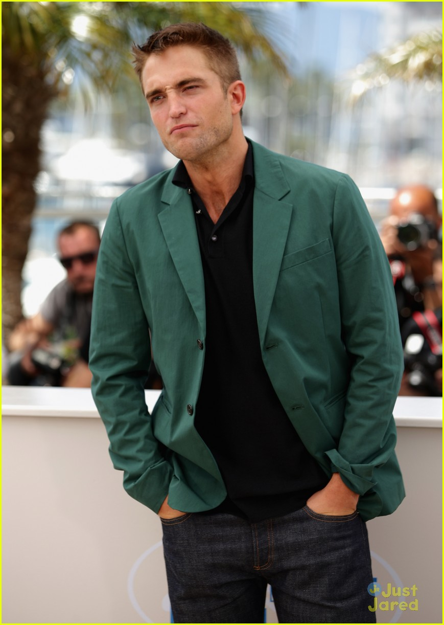 robert pattinson the rover photo call cannes 12
