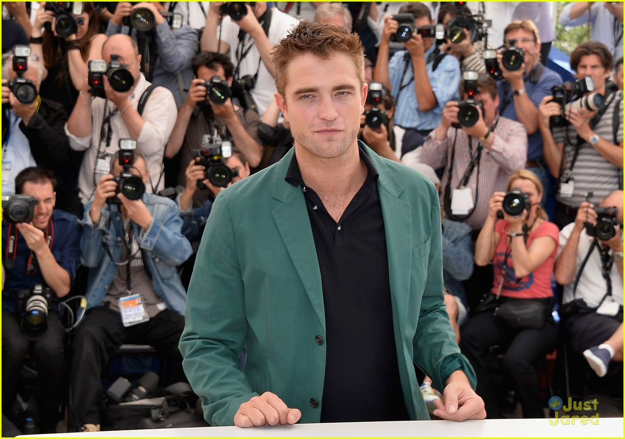 robert pattinson the rover photo call cannes 14