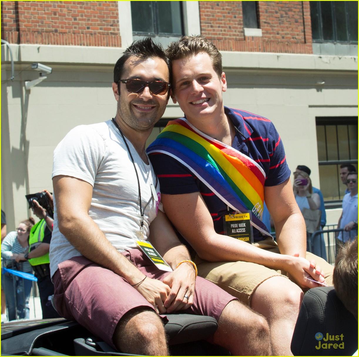 gay Jonathan groff