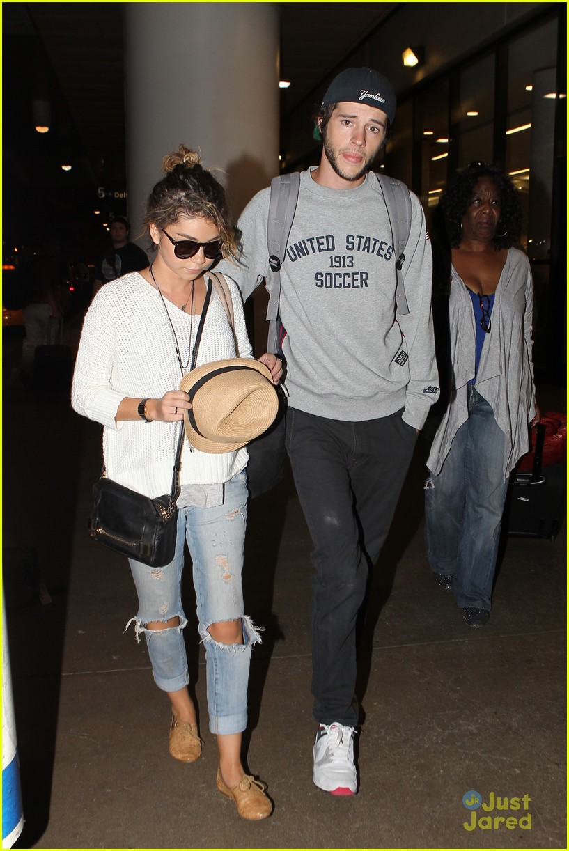 sarah hyland matt prokop hawaii return lax 03