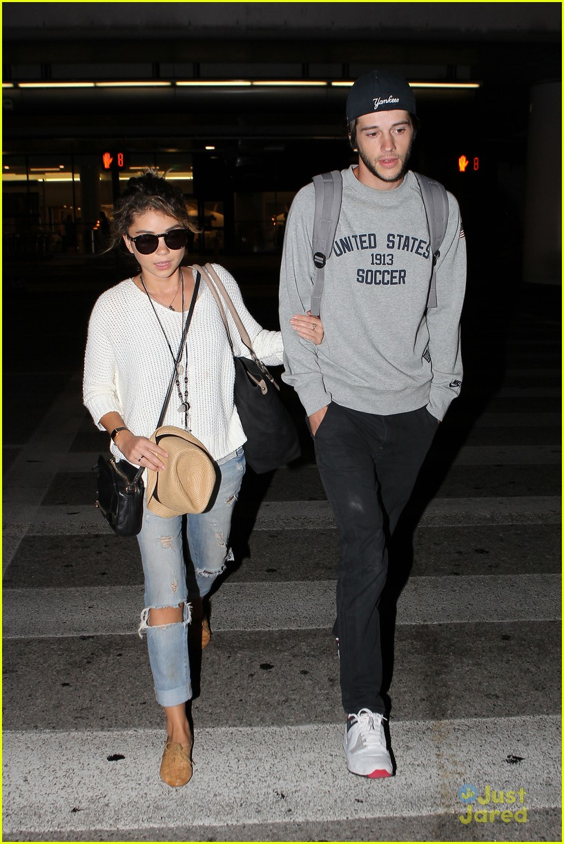 sarah hyland matt prokop hawaii return lax 05
