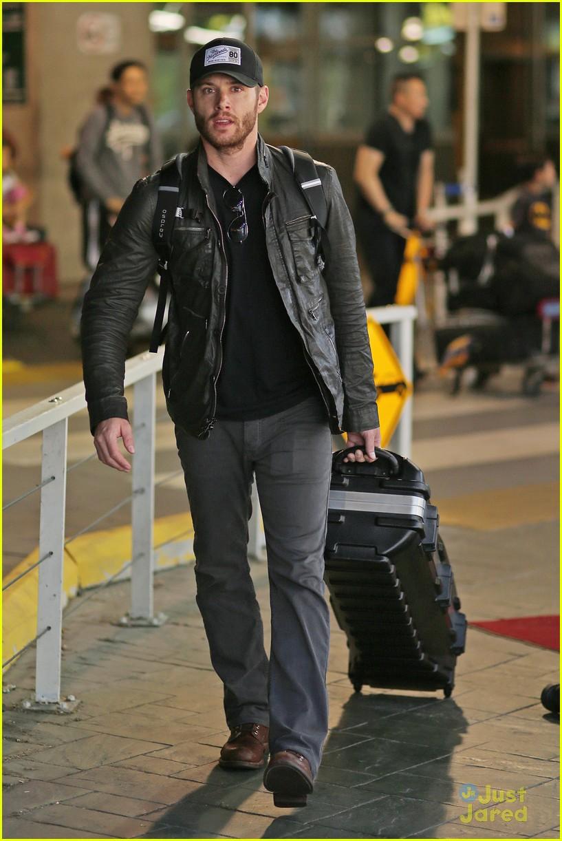 Jensen Ackles Flies Back To Vancouver For Supernatural