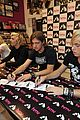 r5 ellington ratliff lost voice album signing 02