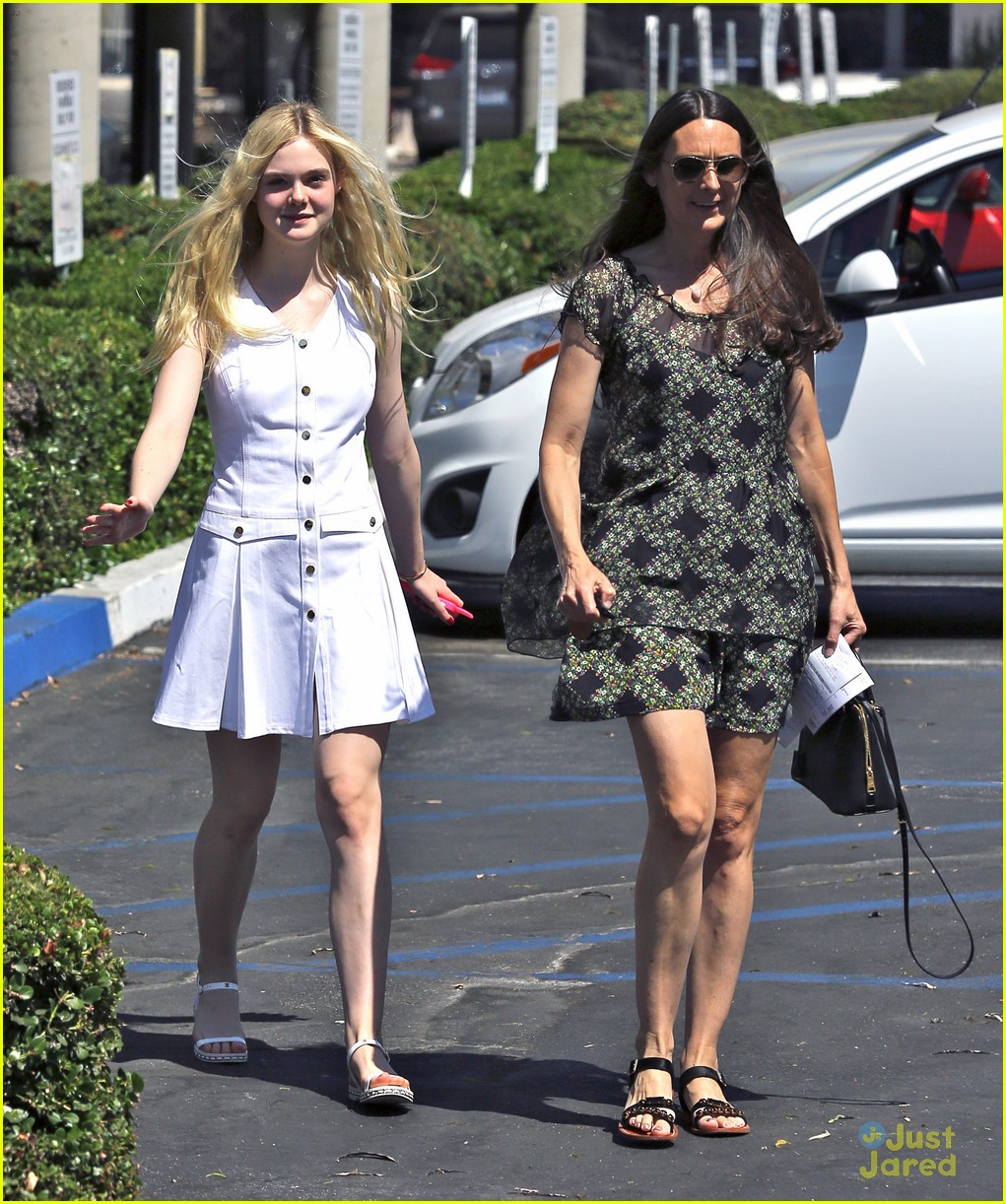 elle fanning pampered after ballet session 11