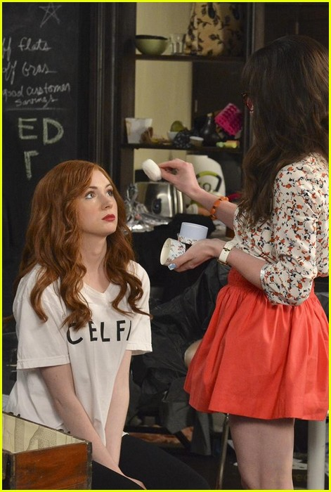 There Are New Pics Of Karen Gillan In Abcs Selfie See Them Here