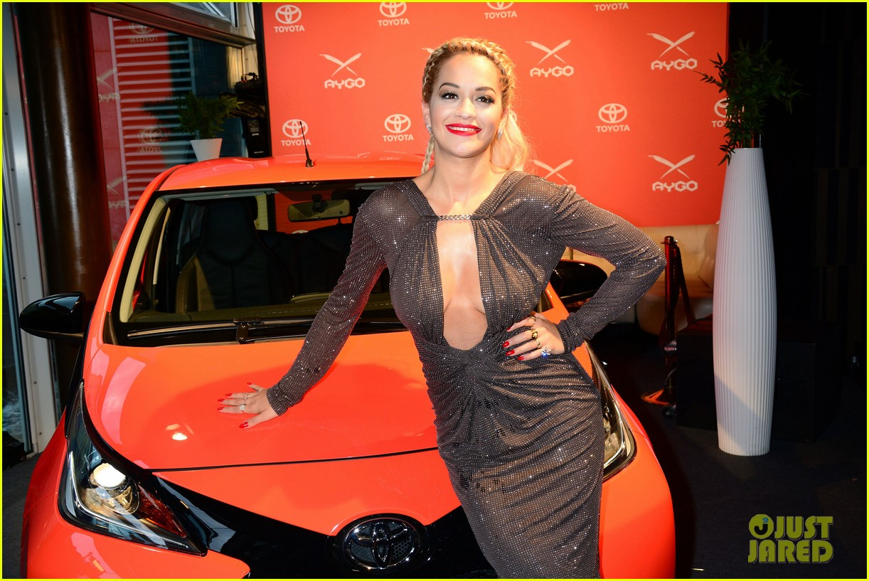 rita ora premieres the new toyota aygo in berlin 06