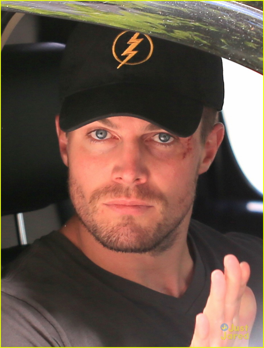 7e3f83e559d Stephen Amell Wears  Flash  Hat On  Arrow  Set   It Makes JJJ ...