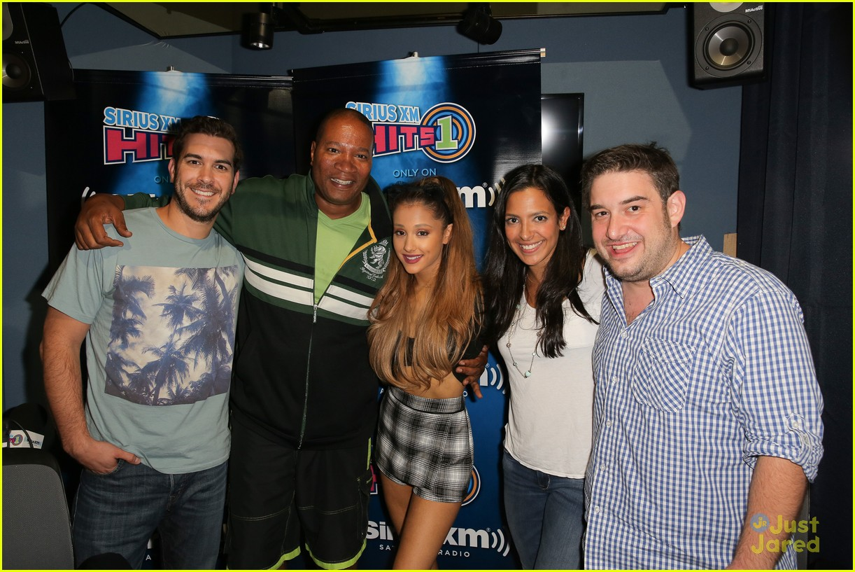 Ariana grande explains why her mg went wrong photo 711704 photo ariana grande talks about abruptly ending a fan meet and greet 04 m4hsunfo