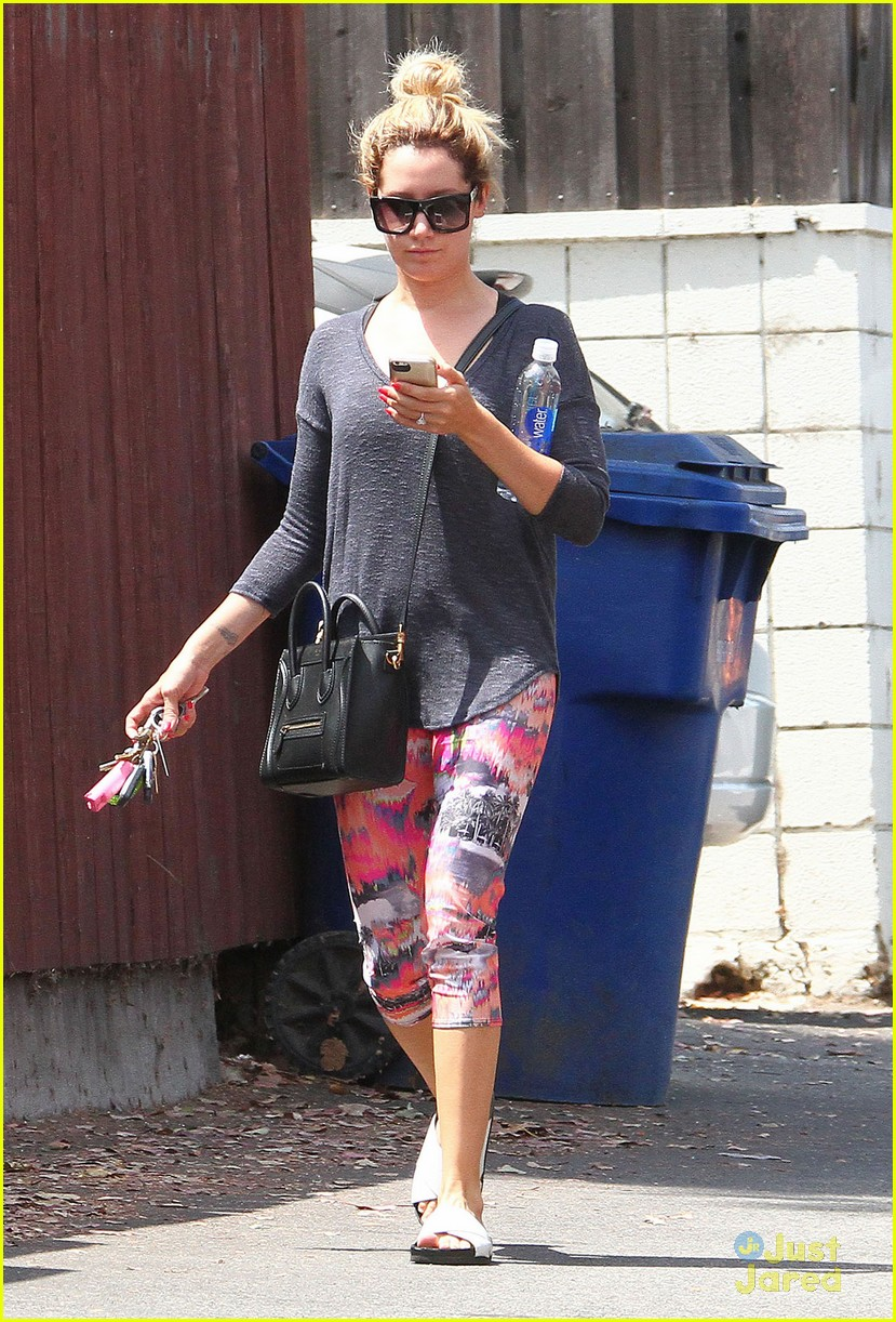 ashley tisdale hits gym after als ice bucket challenge zac efron 07