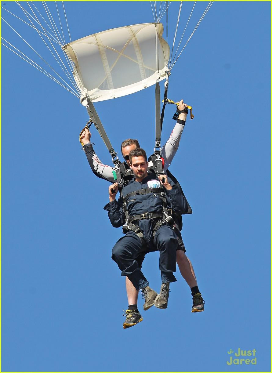 james maslow skydives carlos alexa penavega 03
