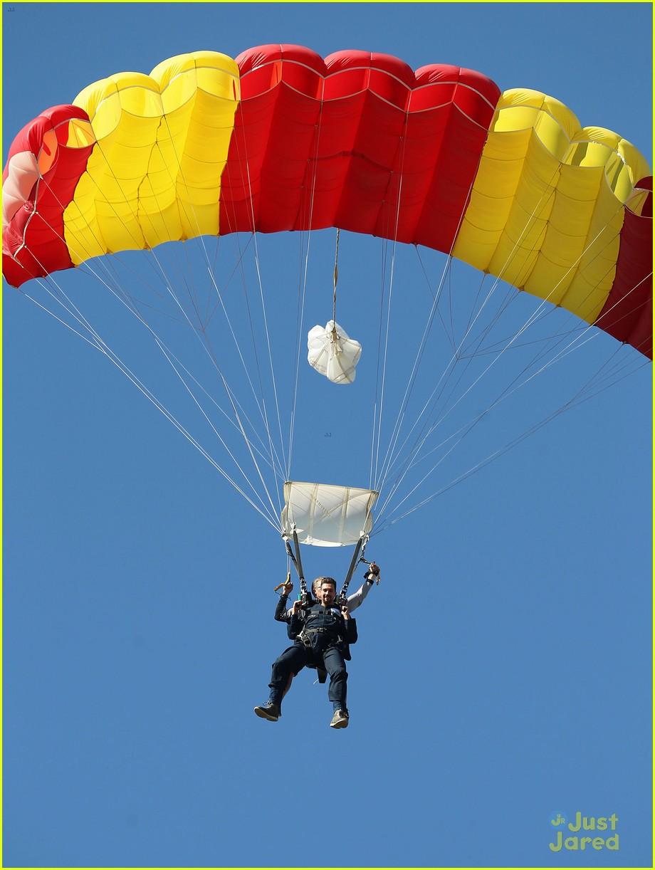 james maslow skydives carlos alexa penavega 05