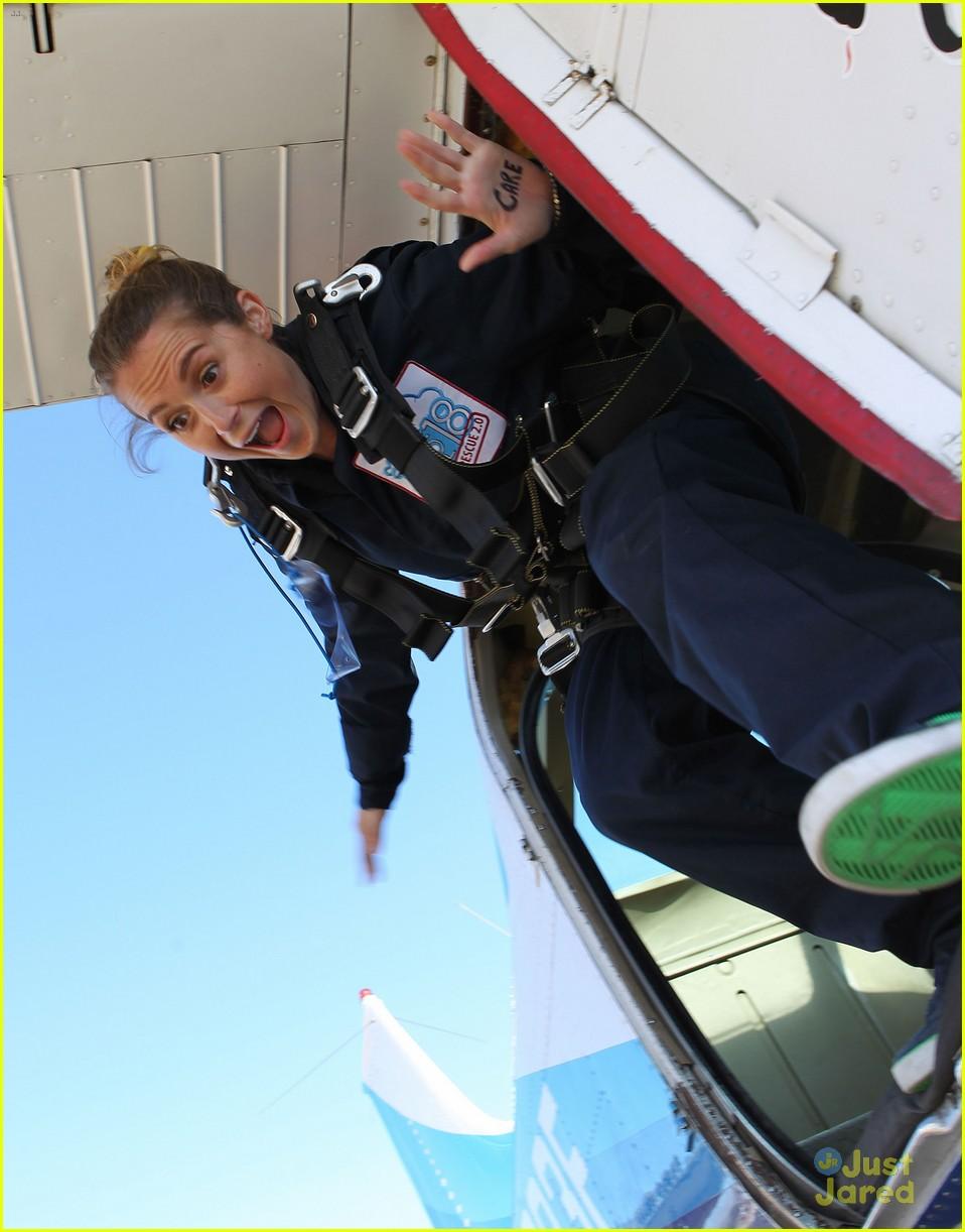 james maslow skydives carlos alexa penavega 06