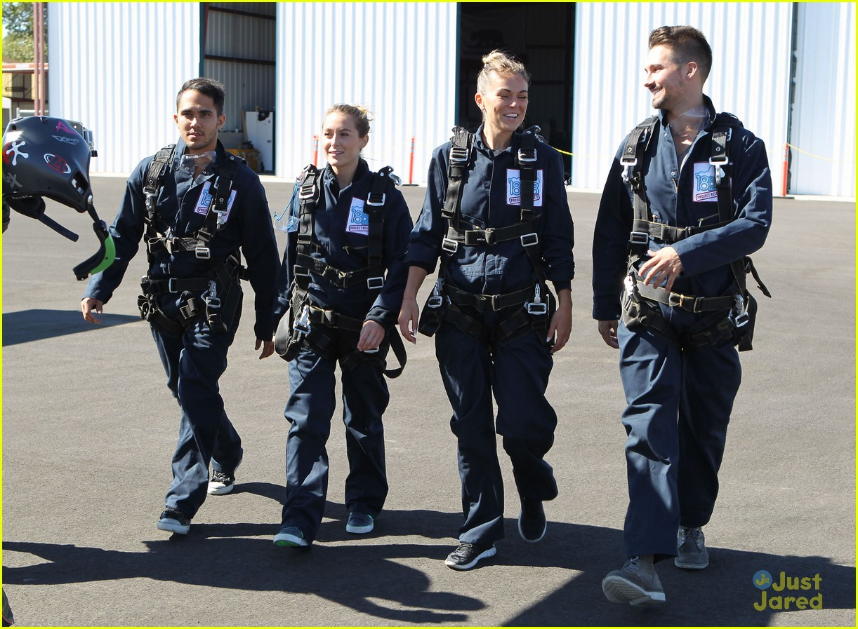 james maslow skydives carlos alexa penavega 09