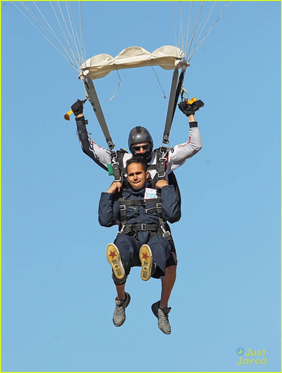james maslow skydives carlos alexa penavega 18