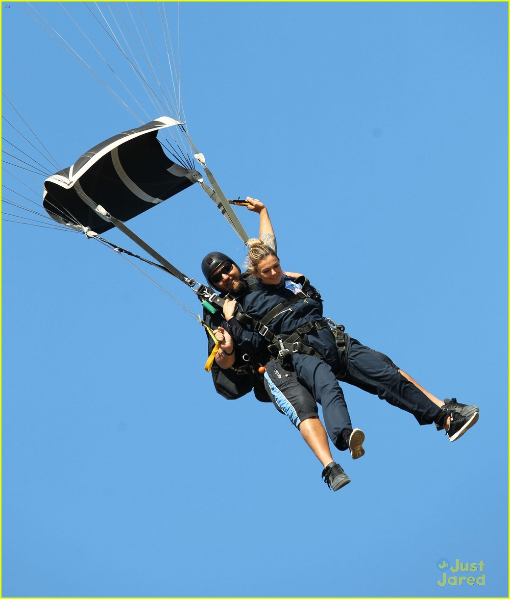 james maslow skydives carlos alexa penavega 27