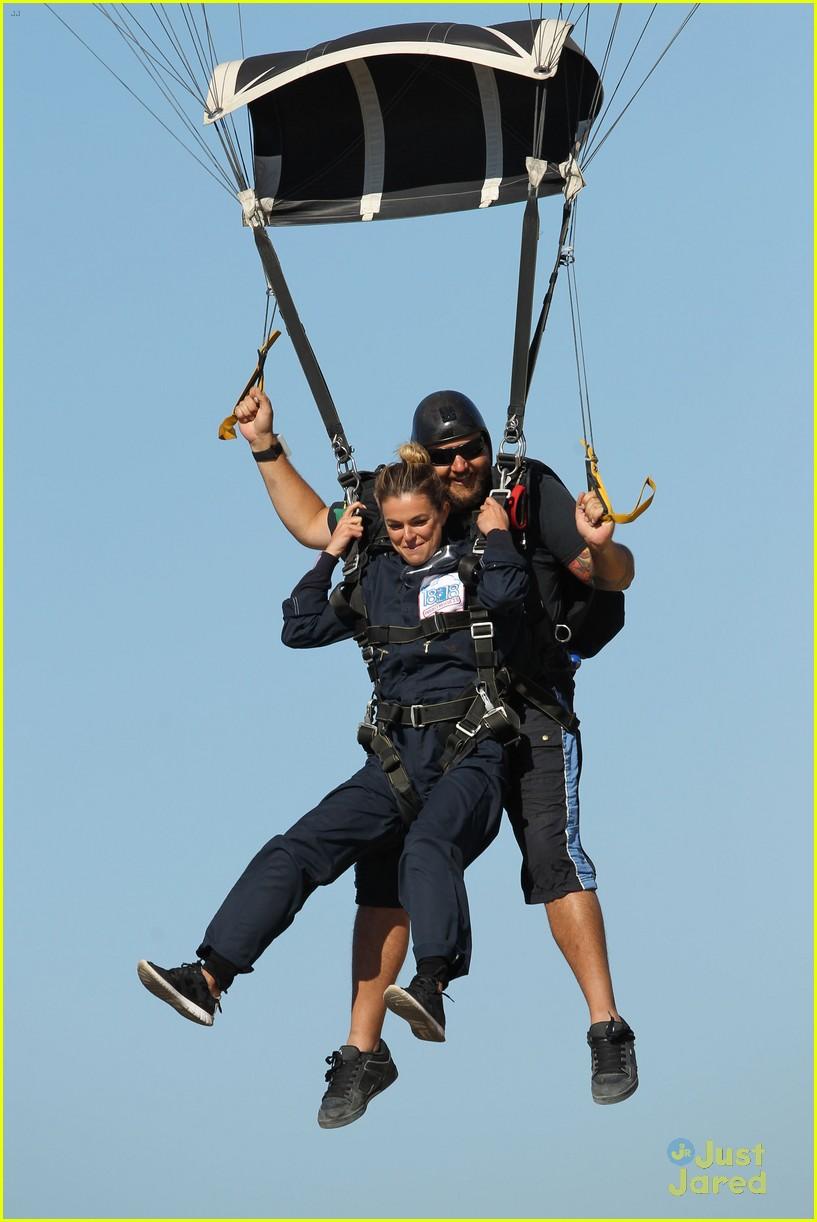 james maslow skydives carlos alexa penavega 28