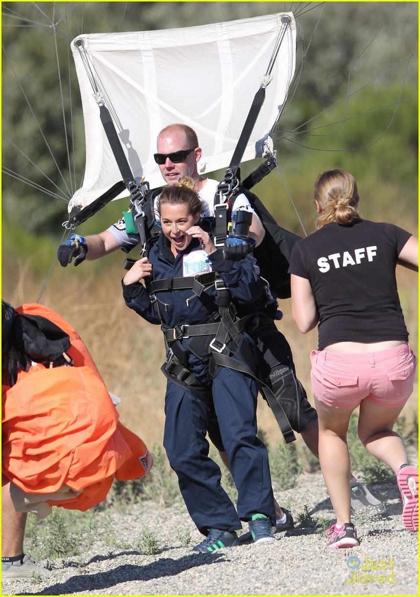 james maslow skydives carlos alexa penavega 32